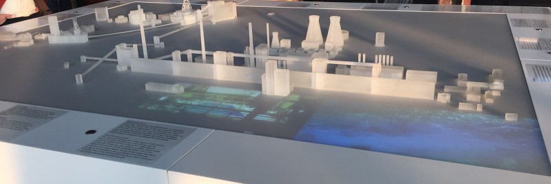 Modell ›Zeche Zollverein‹ auf Multimedia-Tisch
